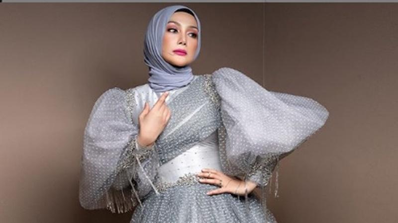 Erra Fazira (foto: SC IG @errafazira)