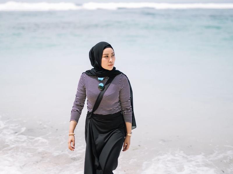Herni Ekamawati kini menjadi pengusaha sukses. Foto: Dok pri for JPNN.com/GenPI.co