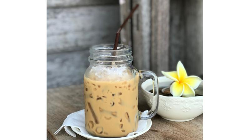 Minuman ala Kafe, Kamu Bisa Bikin Es Kopi Susu Kekinian