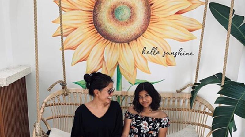 Titi Rajo Bintang dan putrinya, Miyake (foto: SC IG titiradjopadmaja)