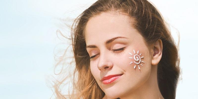 Dampak Buruk Bakal Terjadi Bila Tak Rajin Pakai Sunscreen