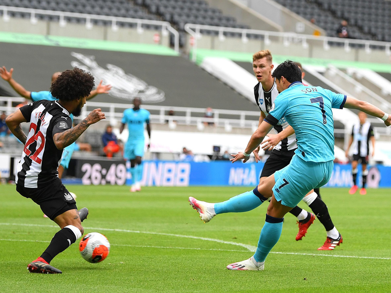 Newcastle vs Tottenham 1-3: Harry Kane Masuk Klub 200 Gol
