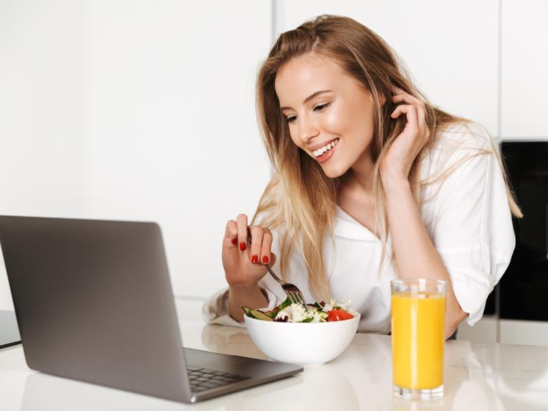 Ladies, Jangan Makan 3 Buah Ini saat Pagi, Bahaya Banget!