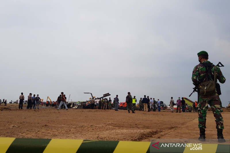 Awal Juni 2020 diwarnai dengan tragedi helikopter jatuh di Kawasan Industri Kendal, Jawa Tengah, Sabtu (6/6). Foto: Antara