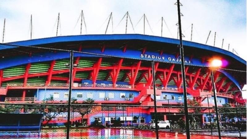 Salah satu stadion tertua di Indonesia, Gajayana (foto: SC IG @arema_bluearmy)