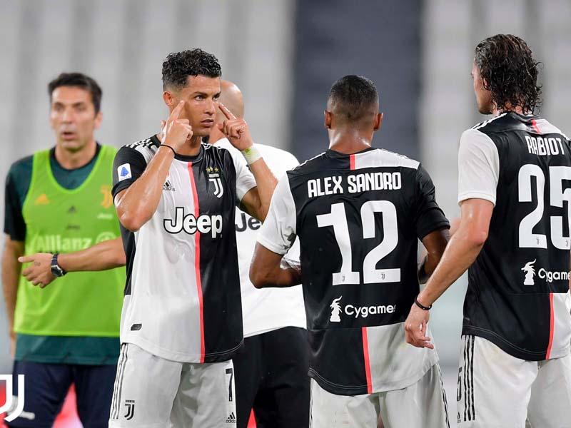 Bursa Transfer: Bek Maut ke Liverpool, Ronaldo ke PSG