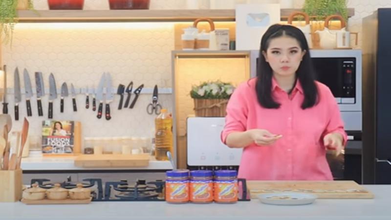 Chef Devina Hermawan Bongkar Resep Kue Kering Khas Swedia