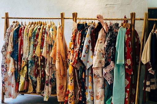 ilustrasi: Baju bekas (foto: Pixabay)