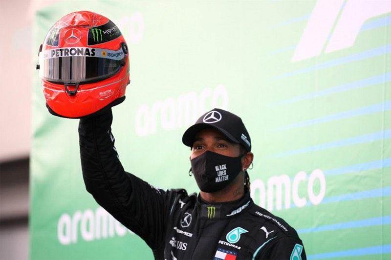 Lewis Hamilton (Foto: Pool via Reuters/Bryn Lennon)