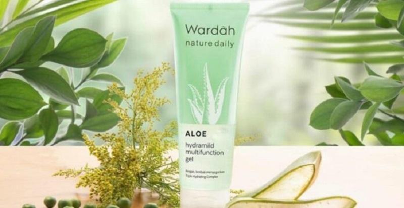 Wardah Nature Daily Aloe Hydramild Multifunction Gel ( foto: Tokopedia)