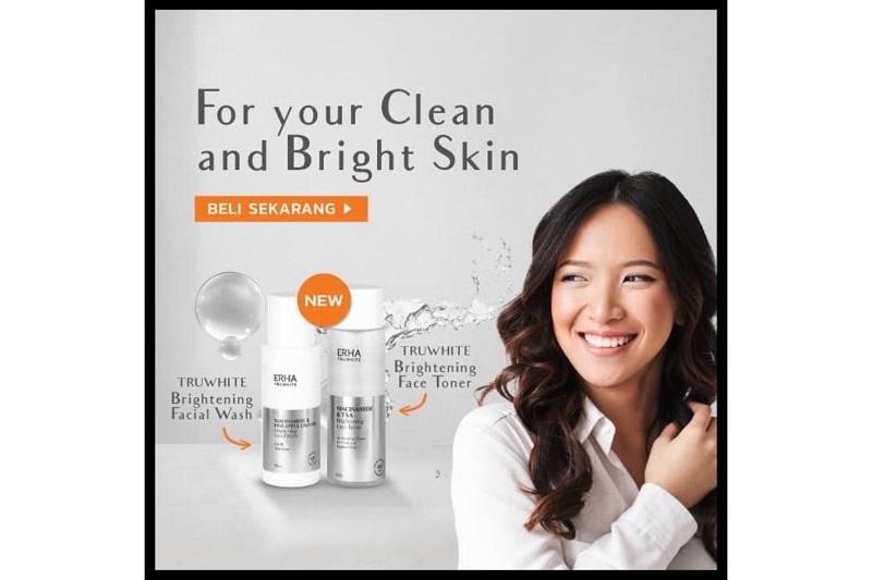 Brightening Facial Wash dan Face Toner (sumber : Shopee/ERHA)