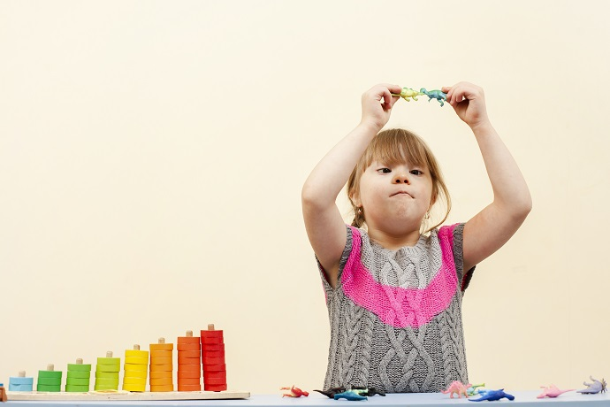 Ilustrasi anak dengan down syndrome (Foto: Freepik)