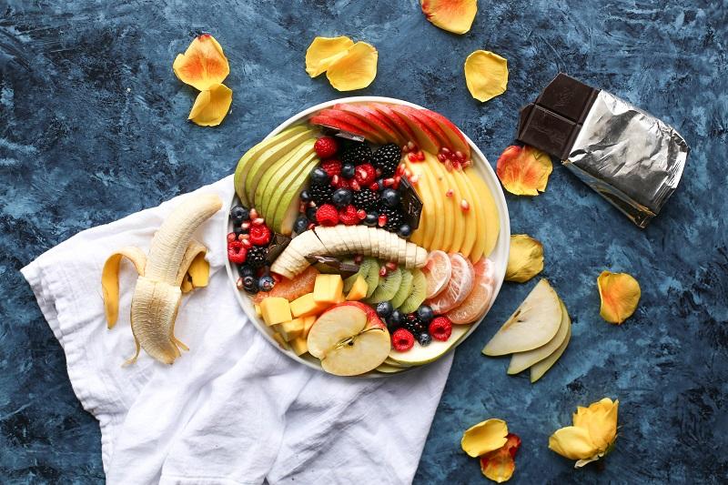 ilustrasi: buah-buahan ini sebaiknya tak dikonsumsi saat pagi hari ( foto: unsplash/brenda-godinez)