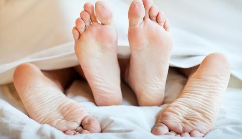 ilustrasi: stamina jos di atas kasur dengan rajin mengonsumsi seafood ( foto: healthline)