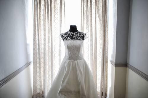 ilustrasi: gaun pengantin (foto: Pexels)