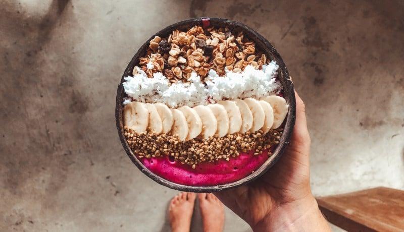 Sarapan dengan smoothie setiap pagi bisa membuat langsing tubuh ( foto: unsplash)