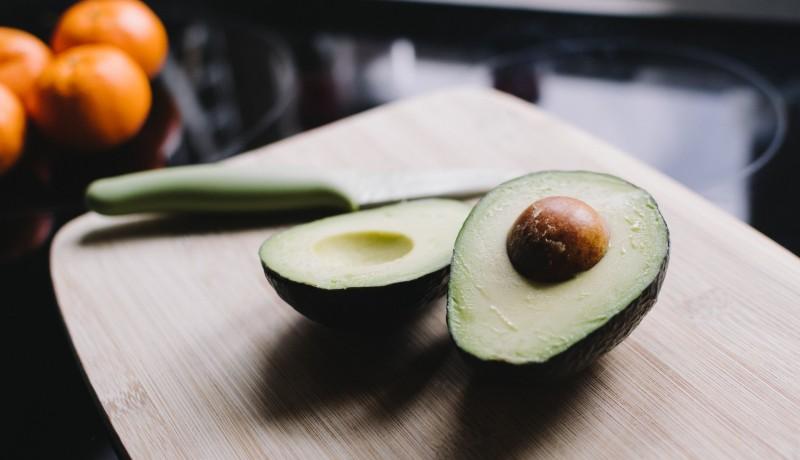 Alpukat juga merupakan sumber vitamin E yang baik dan merupakan antioksidan( foto: unsplash)