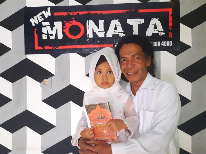 Cak Sodiq dan putrinya, Sashi segera meluncurkan album religi lewat JPNN Musik. Foto: Dok. Pribadi Cak Sodiq