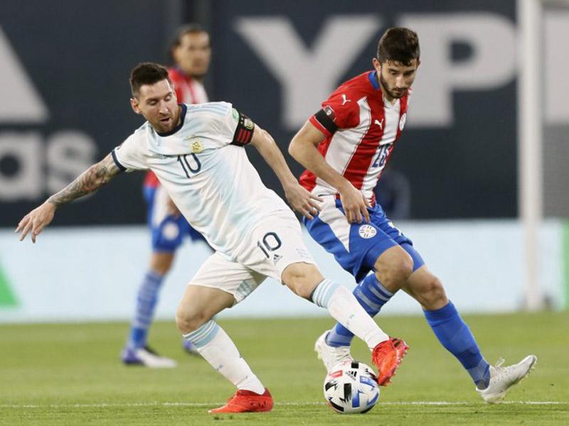 Argentina ditahan Paraguay dengan skor 1-1 pada lanjutan kualifikasi Piala Dunia 2022 zona Conmebol di Stadion La Bombonera, Jumat (13/11) pagi WIB. Foto: Twitter/Argentina