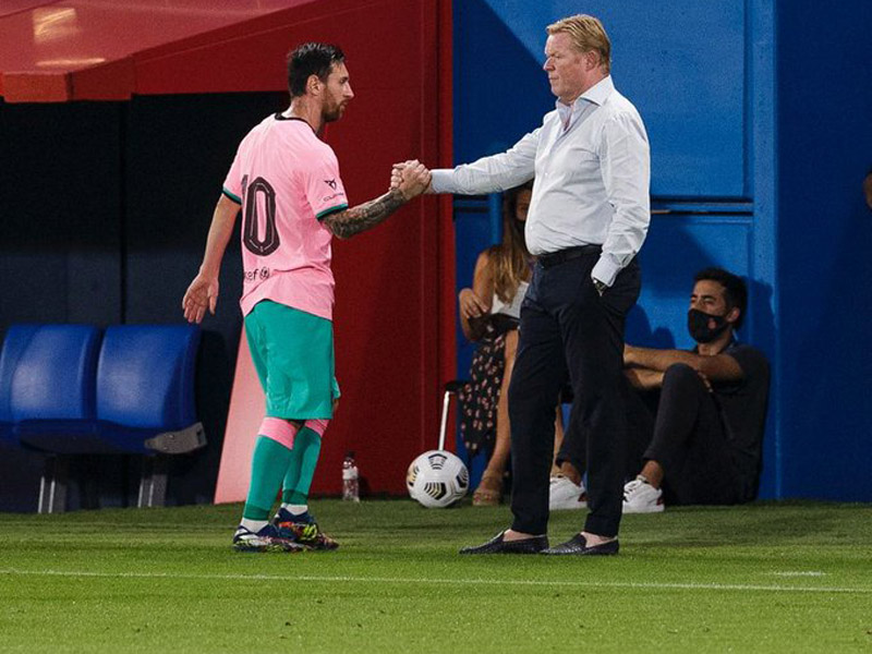 Lionel Messi dan Ronald Koeman. Foto: Twitter/FCBarcelona