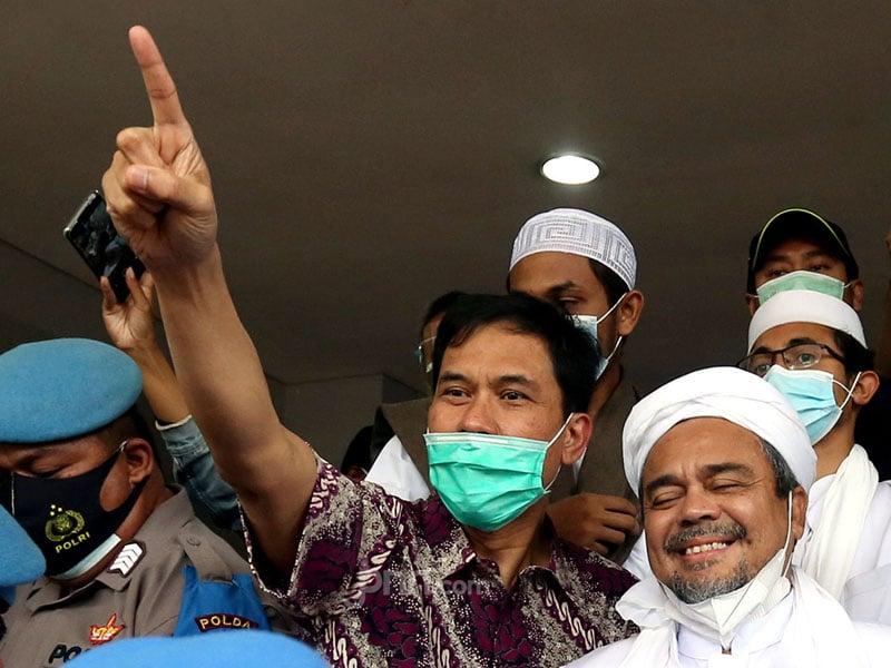Berita Top 5: Refly Harun Bongkar Identitas, Nasib Munarman Miris