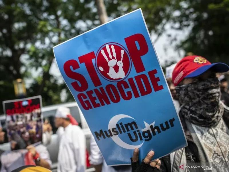 Kejam! China Paksa Muslim Uighur Makan Babi Setiap Jumat