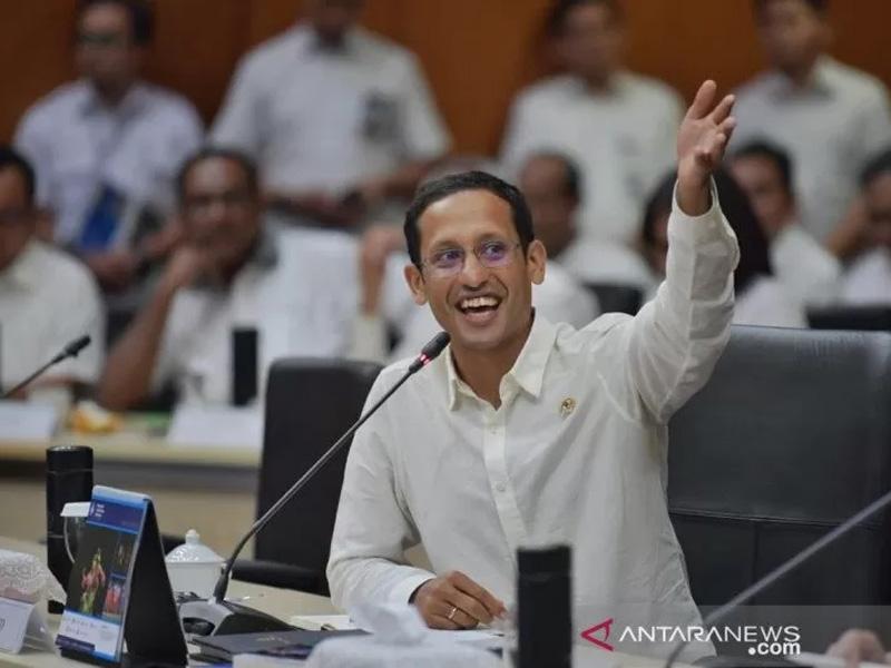 Reshuffle Kabinet Jilid 2: Nadiem Out, PAN Bisa Masuk