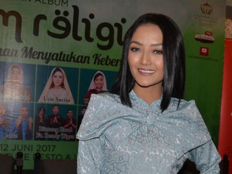 Siti Badriah dan Suami Begituan di Tempat Terbuka, Ada yang Lihat