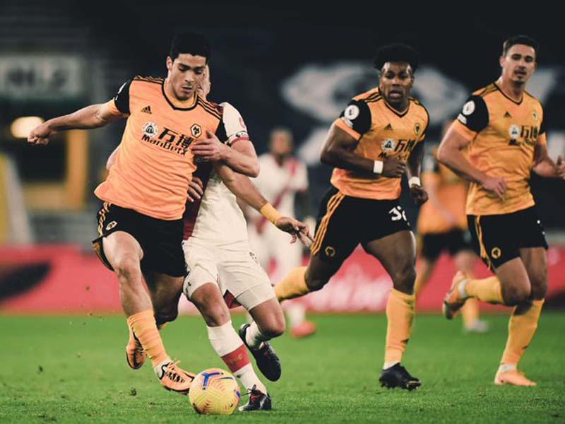 Pertandingan Wolverhampton Wanderes alias Wolves vs Southampton pada lanjutan Liga Inggris 2020-2021 tidak melahirkan pemenang. Foto: Twitter/Wolves