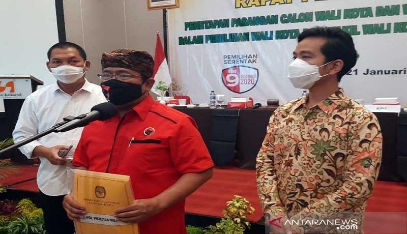 Wali Kota Surakarta terpilih Gibran Rakabuming Raka usai acara penetapan paslon terpilih dalam rapat pleno terbuka oleh KPU di Hotel Swiss Bell Solo. FOTO: Antara