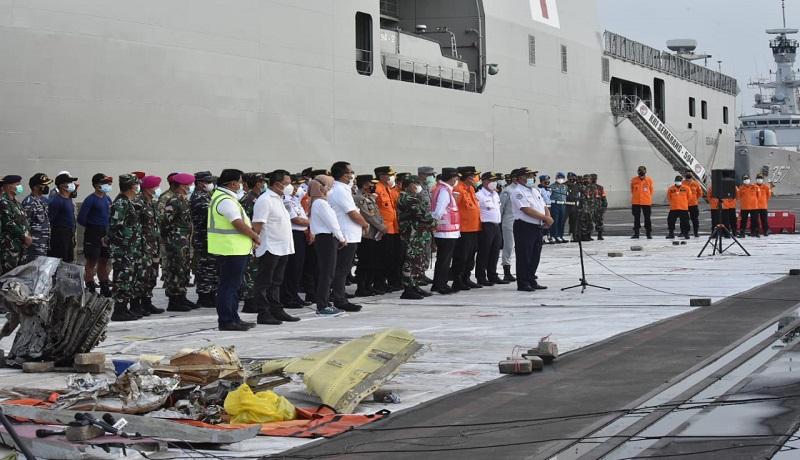 Tim gabungan pencarian korban pesawat Sriwijaya Air. (dok basarnas)