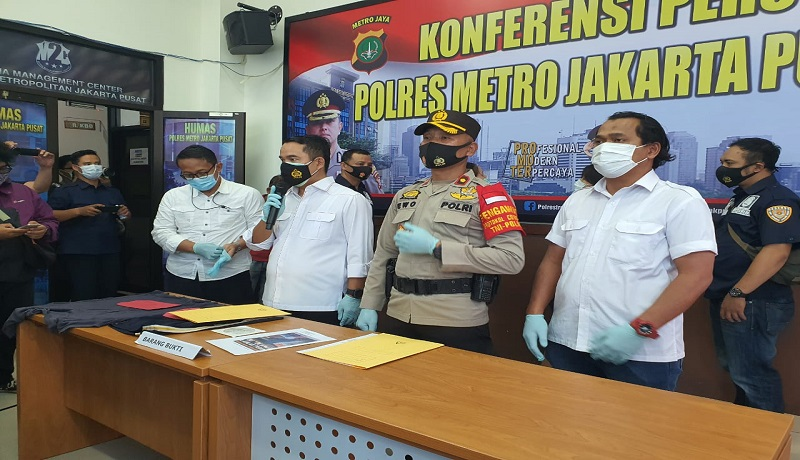 Polisi Tangkap Wanita Pelaku Tindakan Tak Senonoh di Halte