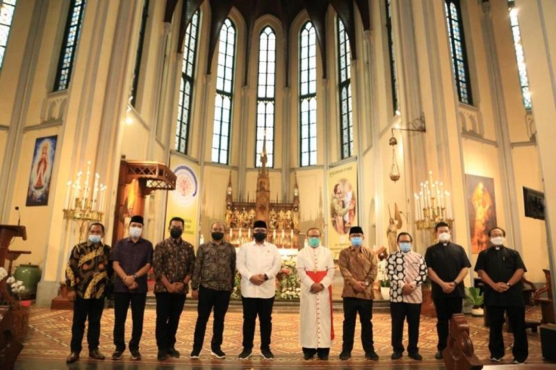 Mendadak Gus Yaqut Temui Uskup Agung Katedral, Bahas Soal ini
