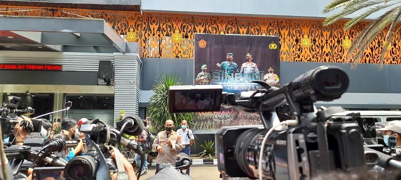 Press Conferense Kabid Humas Polda Metro Jaya, Kombes Pol Yusri Yunus, Polda Metro Jaya, Jakarta Selatan, Senin (04/01) ( foto: Andri Bagus/ GenPI.co)