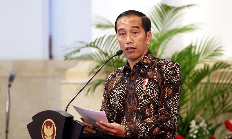 Menkes Gunakan Data KPU, Rocky Gerung Bikin Jokowi Tutup Muka