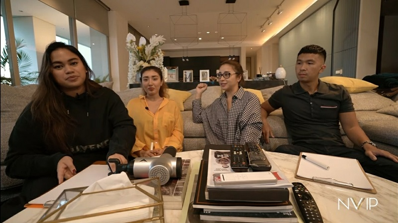Nikita Willy, Indra Priawan dan kedua sahabatnya (Source : youtube/nikita willy official)
