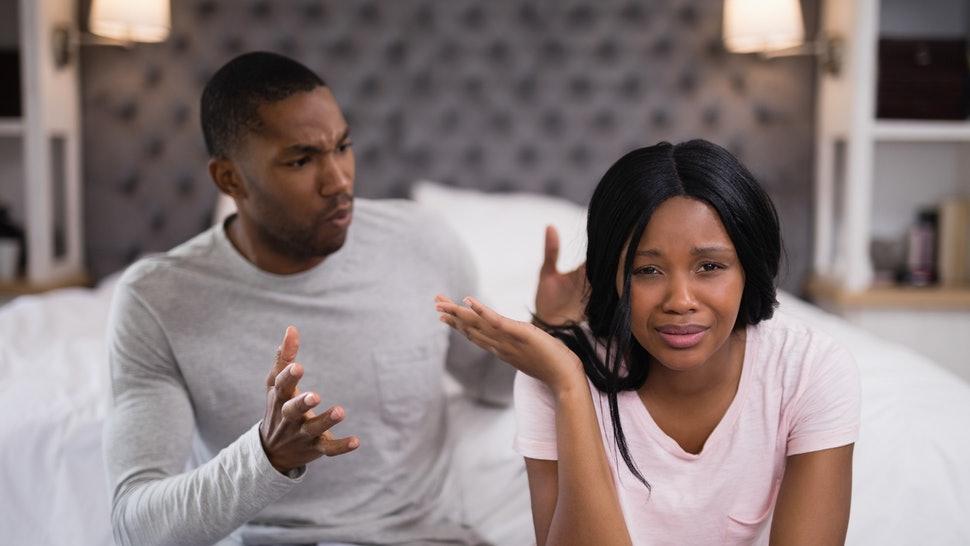 ilustrasi: pasangan bertengkar akibat selingkuh ( foto: pixabay)