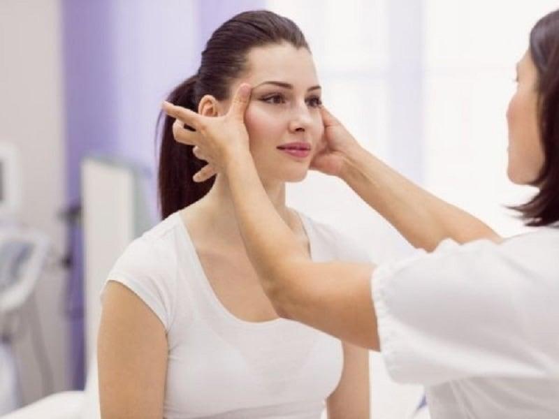 Ilustrasi: perawatan kulit wajah agar terhindar dari kerutan (foto: freepik)