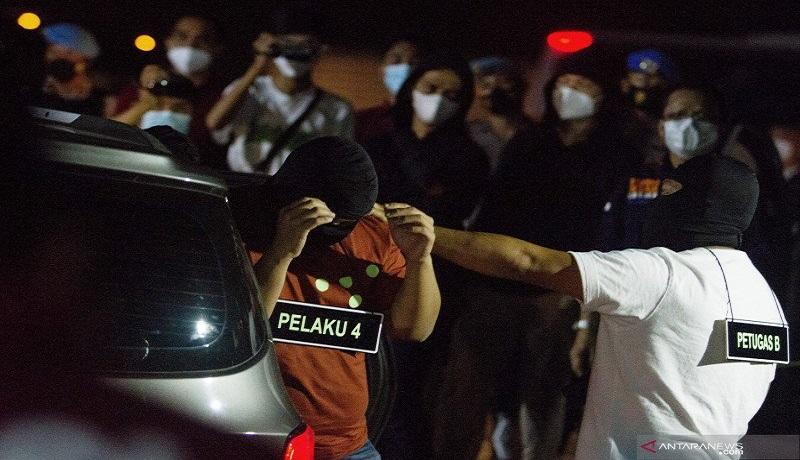 Rekonstruksi kasus penembakan FPI di Tol Jakarta Cikampek KM 50. FOTO: Antara