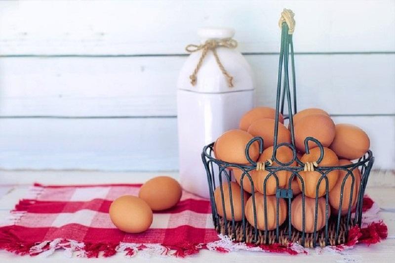 Putih Telur dan Minyak Almond, Bahan Alami Agar Wajah Glowing