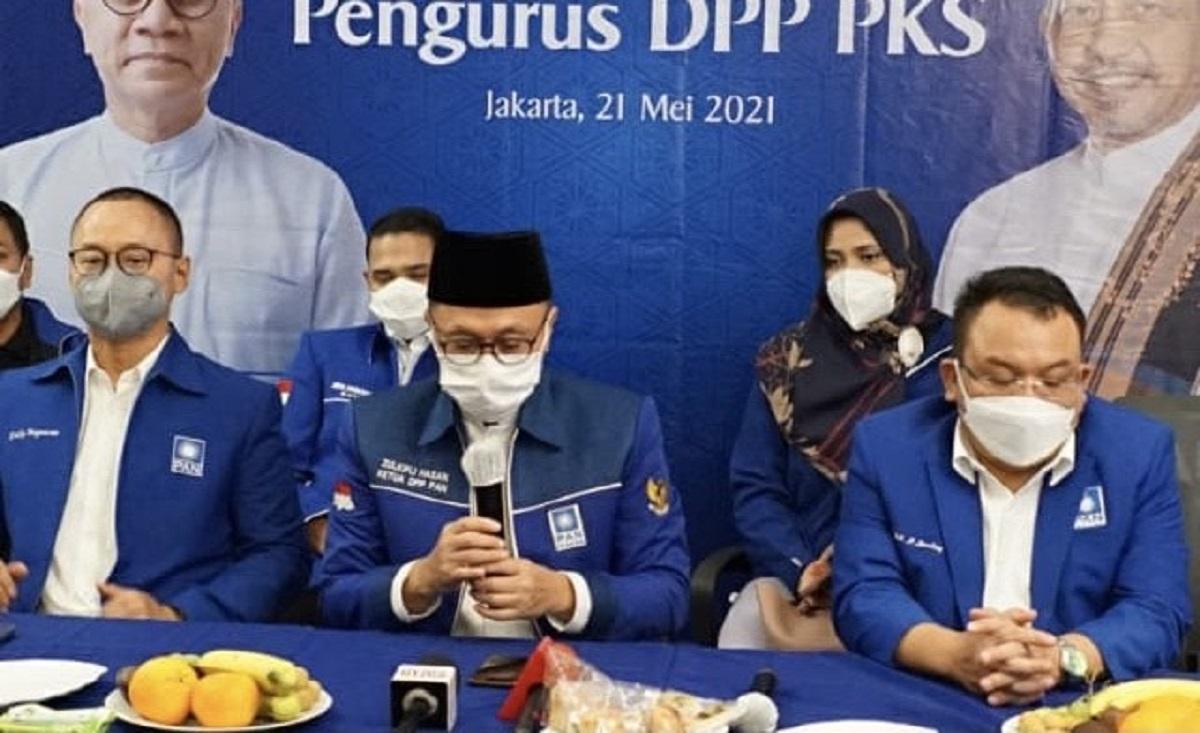 Ketua PAN Zulkifli Hasan dalam konferensi pers usai pertemuan dengan PKS. (Foto: Saptapriwasana/GenPI.co)