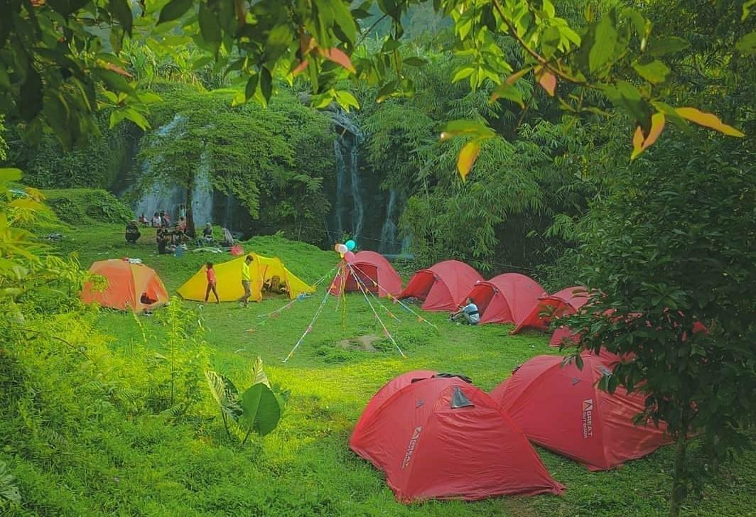 Curug Sawer, Tempat Camping Eksotis di Bogor