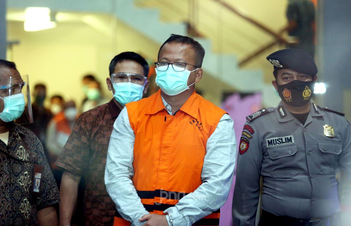 Edhy Prabowo Ditahan KPK. (Foto: Jpnn/Ricardo)