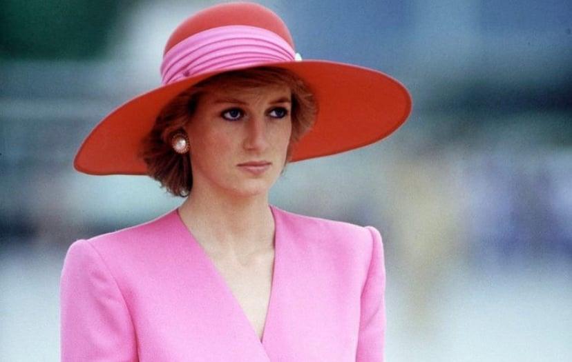 Putri Diana adalah sosok yang stylish dan ramah. Foto: IG @lady.diana_