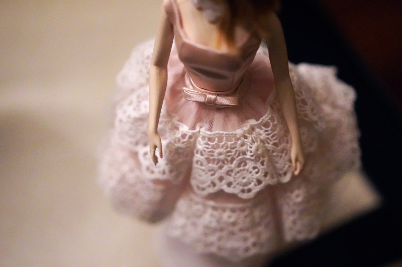 ilustrasi: Boneka Barbie ( foto: unsplash/xinyi)