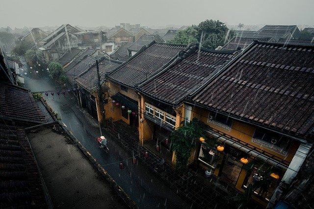 Ilustrasi rumah kehujanan (Foto: Pixabay)