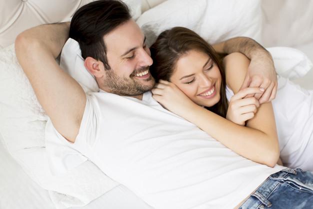 5 Tanda Pria Tulus Mencintai Wanita, Nomor 3 Langka Banget!