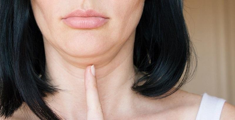 ilustrasi: cara mengilangkan double chin (Foto : women best )