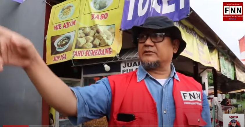 Cuplikan tayangan reportase Edy Mulyadi di rest area KM 50 Tol Jakarta-Cikampek. (Foto: Youtube/ Bang Edy Chanel)