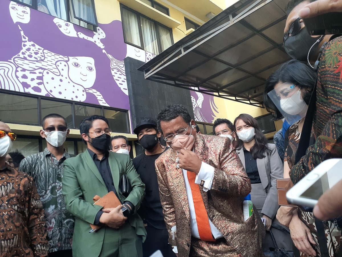 Pengacara Hotman Paria di Komnas Perempuan, Kamis (8/4). (Foto: Langgeng/GenPI)